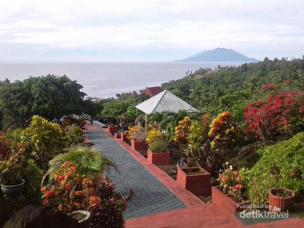 Benteng Torre menyajikan keindahan Pulau Tidore