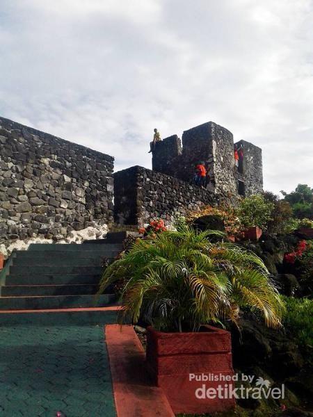 Jangan Lewatkan kesempatan untuk berkunjung ke Benteng Torre yang instagenic