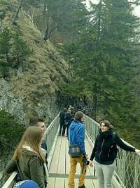 Jembatan Marry dimana pengunjung bisa mengambil foto kastil secara penuh seperti cerita.cerita dongeng dengan latar pemandangan kawasan bavaria Jerman