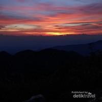 Mentari dari puncak Takal Kuda Gunung Sibayak