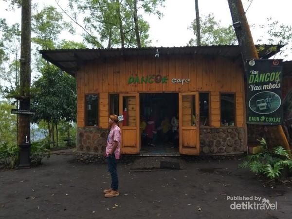 Bangunan Utama Dancok Cafe di Kabupaten Malang