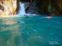 Berenang di Leuwi Hejo