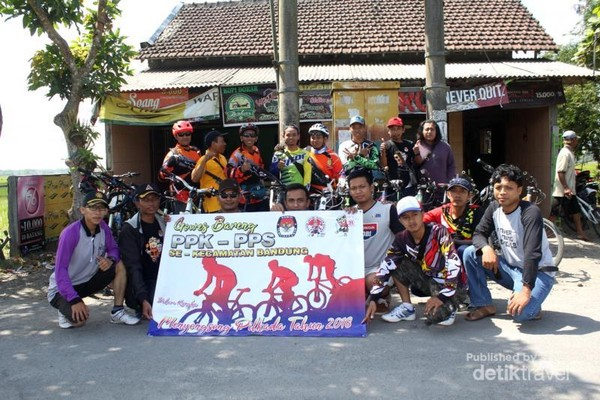 Tim PPK-PPS Bandung Di Warkop