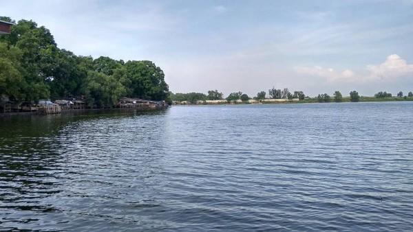 Situ Cibereum  yang menjadi oase di Bekasi