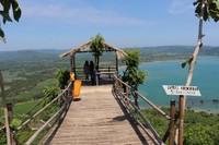 Gardu pandang yang terdapat di Bukit Panineungan.