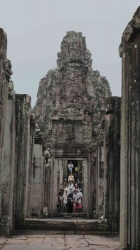 Suasana di Banyon Temple