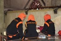 Yayasan Sedekah Ngider mengadakan kajian agama pada Ramadan tahun ini di Masjid At Tin
