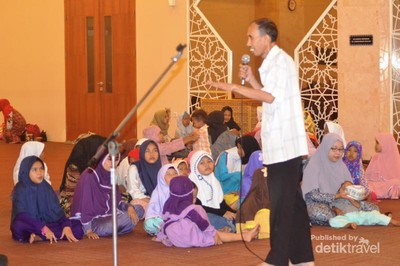 Ngabuburit Ceria di Masjid At-Tin