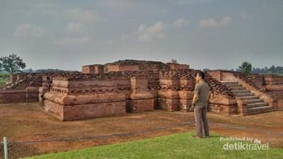 Ngabuburit yang Keren Itu, Belajar Sejarah Kerajaan di Karawang
