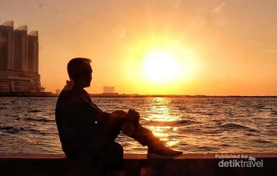 Ngabuburit Sambil Menanti Sunset Kece di Jakarta