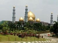 Masjid Kubah Mas Depok Tampak Depan