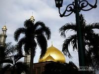 Masjid Kubah Mas Depok Menjelang Senja