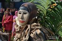 Nah,ini dia topeng Lampung atau Tuping yang ikut serta dalam pawai budaya