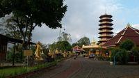 Pagoda Ekayana, salah satu ikon kota Tomohon