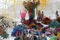 Karya yang menyambut pengunjung di pintu masuk dengan warna cerah menjadi spot favorit pengunjung yang datang