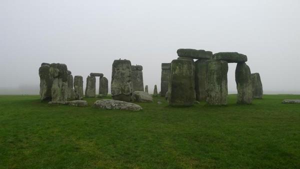 Stonehenge, batu berbentuk lingkaran yang merupakan situs warisan dunia UNESCO