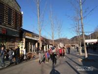 Toko souvenir dan restoran