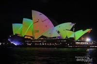 Tahun ini vivid Sydney sudah memasuki tahun ke  10 .