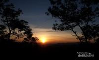 Matahari terbit di Ciletuh