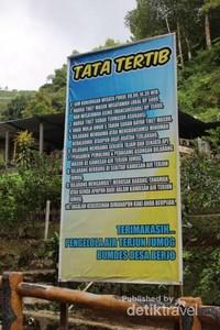 Peraturan yang harus diperhatikan oleh pengunjung.