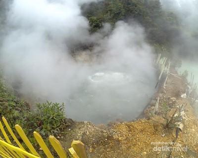 Mengunjungi Wisata Kawah Air Mendidih Dataran Tinggi Garut