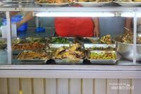 Sehari bisa menjual 100 kg kepala Ikan Manyung.