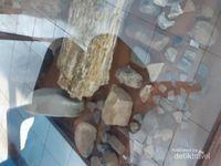 Peninggalan lainnya yang ditemukan masyarakat sekitar situs