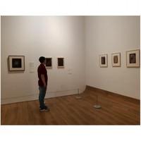 Banyak lukisan-lukisan yang bisa kalian nikmati disini