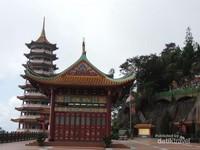 Suasana sekitar Chin Swee Temple