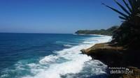 keindahan pantai banyu tibo