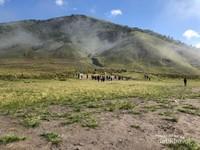 Suasana sekitar Gunung Bromo