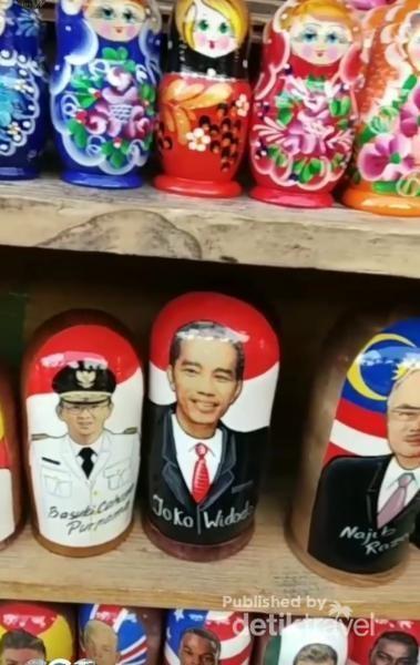 Ada Matryoskha bergambar Presiden Jokowi dan Ahok dijual di Moskow.