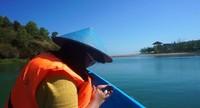 Mendekati Pantai Ngiroboyo , air semakin jernih berwarna kebiru-biruan