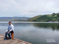 Taman Tazur Ancol, Danau Toba