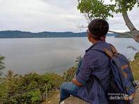 Menara Pandang Danau Toba