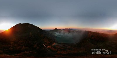 Mengejar Sunrise di Kawah Ijen