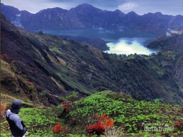 Menikmati Indahnya Danau Sagara Anak RInjani Dari Plawangan Sembalun