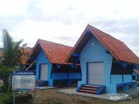 Bangunan Leuit di Komplek Revitalisasi Pasar Daerah Sawarna