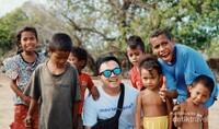 Hari pertama, Kita berkunjung ke Kampung Adat Ratenggaro sekaligus berinteraksi dengan Warga Lokal termasuk anak-anak yang periang nan lucu ini..