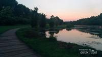 Danau Dora menjelang sepi