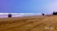 Suasan pantai yang indah.