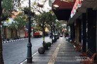 Kawasan dengan pedestrian yang cantik