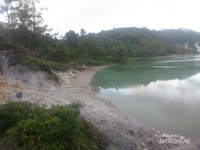 Asab belerang Danau Linow