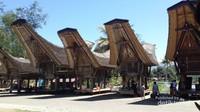 Desa Kete Kesu berisi rumah adat asli suku Toraja yang disebut dengan Tongkonan