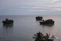 Gugusan pulau Raja Tiga Adoki