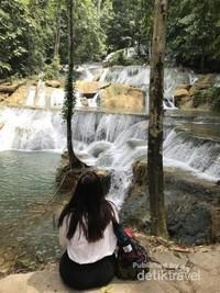 Pemandangan Air Terjun Moramo, tempat mandinya para bidadari.