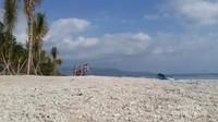 Pantainya berpasir putih