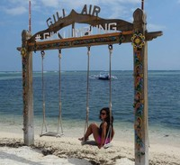 Ayunan santai di Gli Air, sangat pas untuk nikmati pesona pantainya