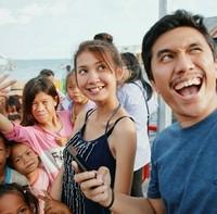 Keseruan sambutan anak-anak Suku Bajo, Kampung Mola, Wakatobi