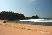 Hamparan pasir di Pantai Jungwok